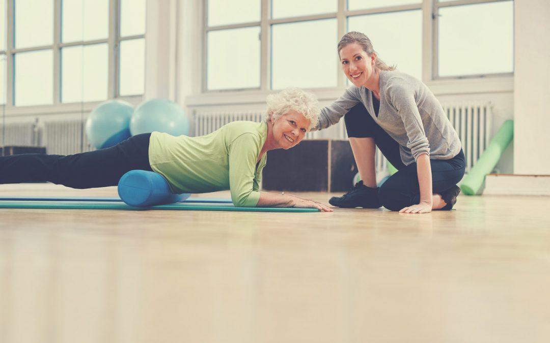Rouleau de massage : quelques exercices recommandés pour les seniors