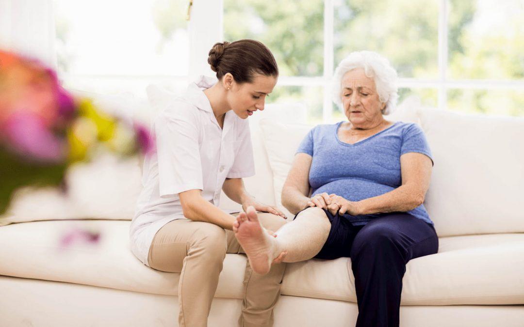 Senior : prenez soin de vos pieds !