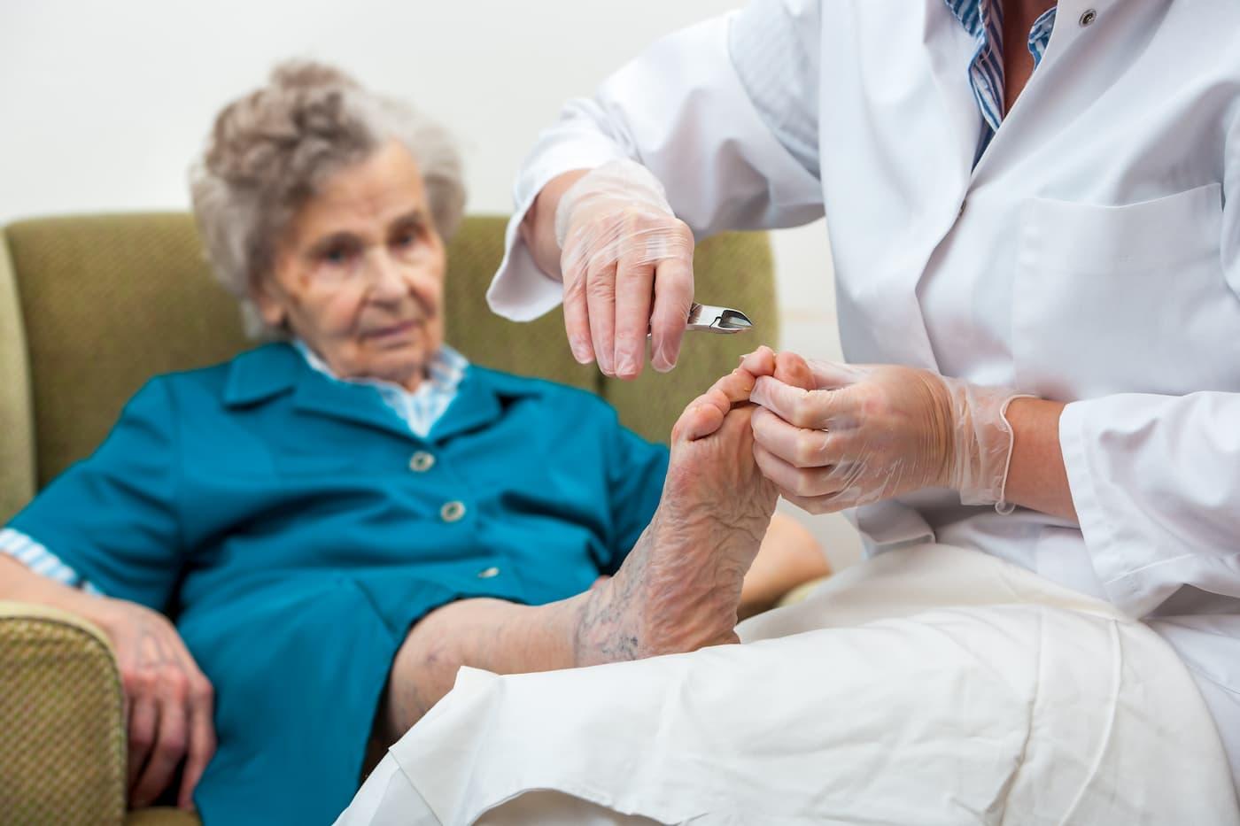 pieds des seniors