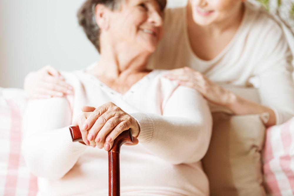 L'aide à la personne : une solution pour le maintien à domicile des personnes dépendantes