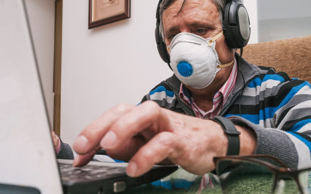 Comment les personnes âgées vivent-elles le confinement ?