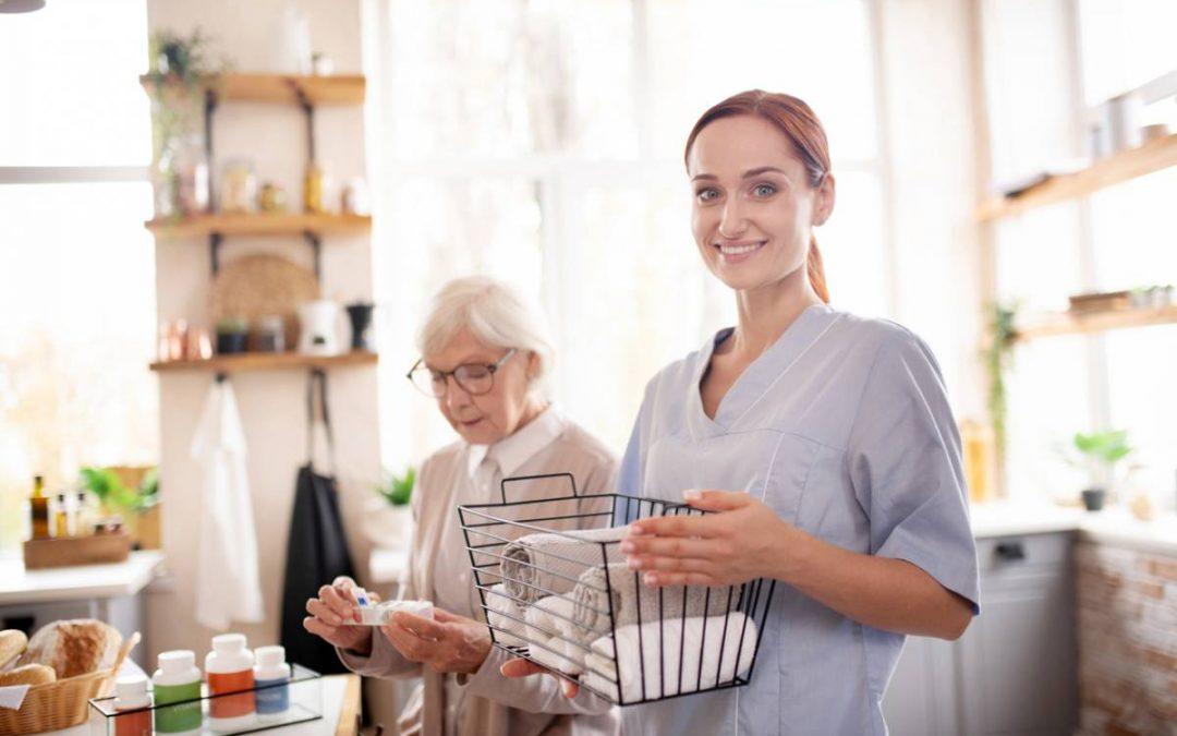L'aide à domicile pour les personnes âgées : l'essentiel à savoir
